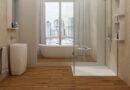 Drewnopodobne płytki wielkoformatowe, czyli łazienka w stylu klasycznym